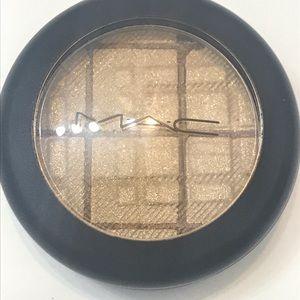 MAC| Golden Crown eyeshadow 3g.